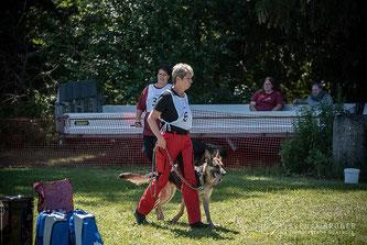 Antje Maier bei der Bundessiegerprüfung für Rettungshunde 2018
