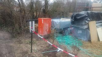 Heute gab es endlich den Baustromanschluss. Danke an unsere Nachbarn Dorith und Horst für den Strom der letzten Tage.