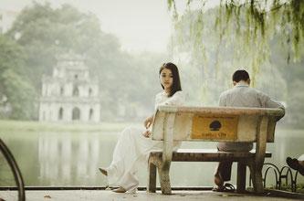 Paar auf Parkbank - Heartbreak - Pixabay