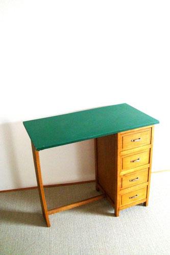 Petit bureau bois des années 50