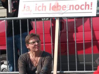 Dörte bei der Blutskandal-Demo in Berlin am 01.04.2017