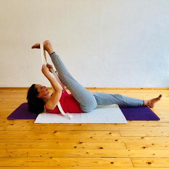 Dehnen Der Rückseitigen Beinmuskulatur Yoga Mit Ms