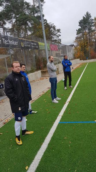 Fabio Schiprowski und Maximilian Neumann trafen beide für ihre Farben. Coach Georg Pantel (im Hintergrund) gefiels!