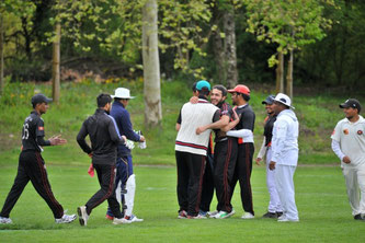 Idrees taking a crucial wicket at a crucial time ¦ © alcos images