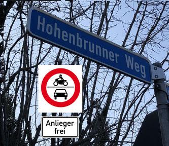 Der Hohenbrunner Weg: Nach dem Willen der SPD soll hier kein Durchgangverkehr mehr fließen.
