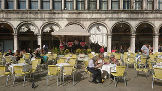 Seit 1720 besteht das Cafe Florian am Markusplatz.