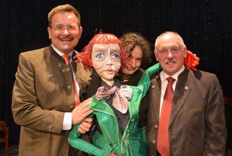 Bildtext: Partnerschaftsreferent Stadtrat Helmut Jawurek, Intendantin Cordula Nossek und Stadtrat Heiner Zuckschwert (v.l.n.r.) waren von der Eröffnung der Puppentheatertage begeistert, Foto: privat