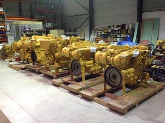 Moteurs marins CAT 3306 et 3406 dans notre entrepôt de Saint-Martin-de-Crau  - Les occasions Lamy Power - Cote d'Ivoire