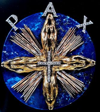 Ювелирные изделия Сальвадора Дали. Медаль Мира
