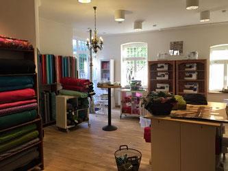nur noch 5 tage einzig n artig das stoffl dchen auf dem alten markt in hachenburg. Black Bedroom Furniture Sets. Home Design Ideas