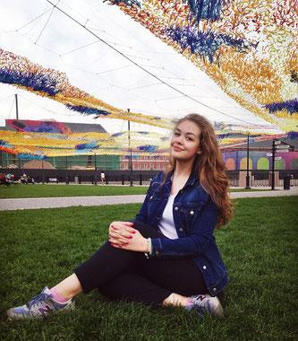 Shenija unsere deutschsprachige Stadtführerin aus Sankt Petersburg.