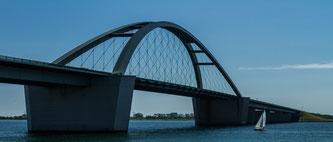 Fehmarn-Sundbrücke im Urlaub in unseren Ferienwohnungen auf Fehmarn besuchen