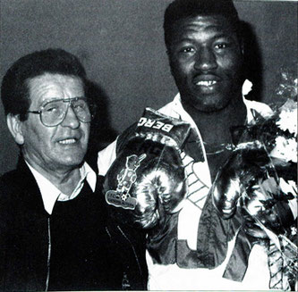 Ray Mercer (rechts) mit FCK-Boxtrainer Günter Wiewecke (Foto: Festschrift 1. FCK, Archiv Eric Lindon)