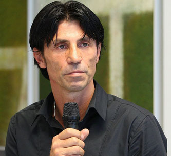 Bruno Hübner im Eintracht Frankfurt Museum 2011 (Foto: Steffen Ewald)