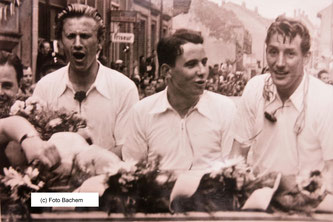 Meisterschafts-Korso 1953. Von links, Erwin Scheffler, Karl Wanger, Fritz Walter (Foto: Bachem)