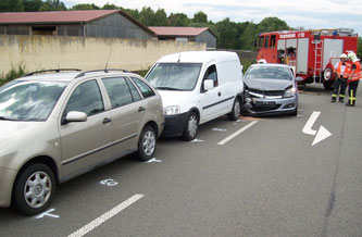 Auffahrunfall zwischen drei PKW am 27. August 2015/ Bild: Julien Schambach