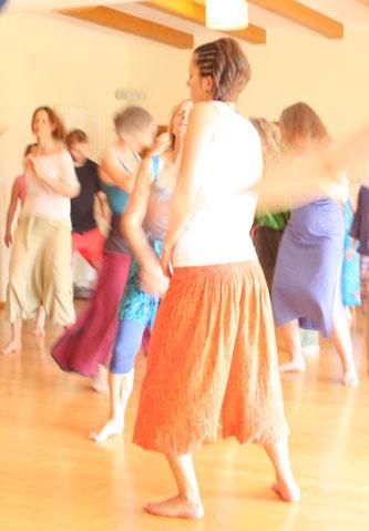 Tanz deine Lebendigkeit! Biodanza in Berlin mit Elke und Silvia