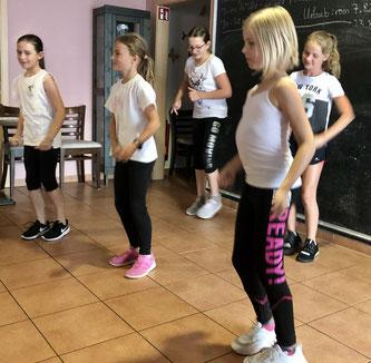 Auftritt von Dance for Kids