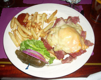 A Classic NYC Reuben at the nearby Playright Tavern