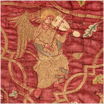 Détail de la chape de la vierge qui fait partie du trésor de la cathédrale Sainte-Marie à Saint Bertrand de Comminges, grand site touristique de Haute-Garonne, Pyrénées centrales