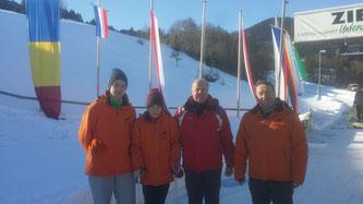 Am Bild: Christoph Kogler, Dominik Maier, Sportwart Oskar Knauder und KLRV-Vizepräsident Reinhold Pirker (Foto: RC Mondi Frantschach)