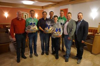 Am Bild die geehrten Sportler des RC Mondi Frantschach mit Obmann Reinhold Pirker und den Obmann-Stellvertretern Christian Schatz und Oskar Knauder mit Bürgermeister Günther Vallant (Foto: RC Mondi Frantschach)