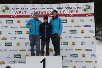 Am Bild: Obmann Reinhold Pirker, Dominik Maier und Christoph Kogler. (Foto: RC Mondi Frantschach)