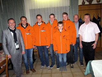 Am Bild KLRV-Vizepräsident Reinhold Pirker, Sportwart Oskar Knauder mit Bürgermeister Günther Vallant