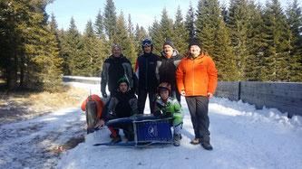 Am Bild die Sportler Dominik Maier, Christoph und Jürgen Kogler mit dem Betreuerstab vom RC Mondi Frantschach (Foto: RC Mondi Frantschach)