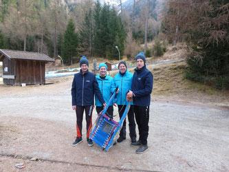 Am Bild Jürgen Kogler, Obmann Reinhold Pirker, Sportwart Oskar Knauder und Christoph Kogler (von links). (Foto: RC Mondi Frantschach)