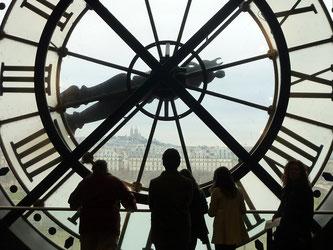 Uhr mit Menschen