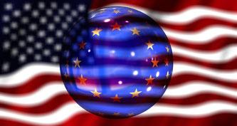 Flaggen der USA und der EU
