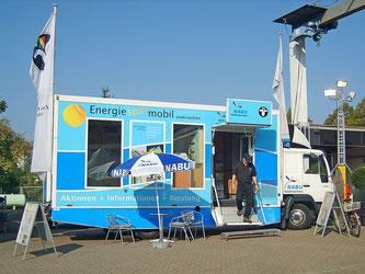 Das Energiesparmobil auf dem Gelände der Stadtwerke. - Foto: Kathy Büscher