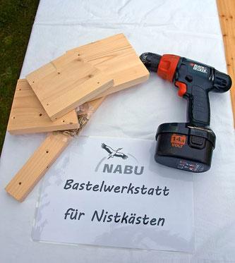 Auch in diesem Jahr wurden auf Gut Remeringhausen Nistkästen gebastelt. - Foto: Kathy Büscher