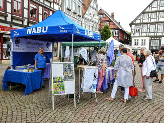 Infostand des NABU. - Foto: Kathy Büscher
