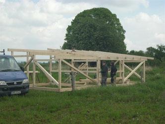 Der Bau des neuen Unterstandes schreitet voran. - Foto: Nick Büscher