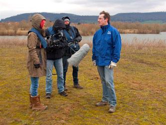 Das Fernsehteam begleitete die Aktion. - Foto: Kathy Büscher