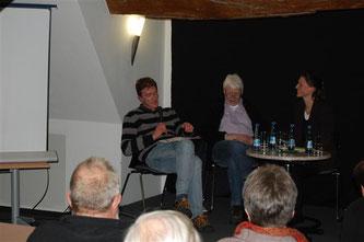 Josef Voss (Bündnis 90 / Die Grünen) erläutert die politische Situation. - Foto: Kathy Büscher