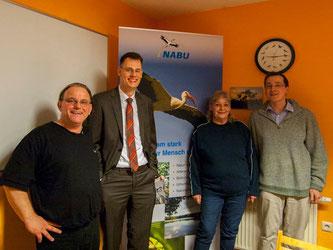 Der Vorstand (v.l.n.r.): Alexander Bronner (Schriftführer), Dennis Dieckmann (2. Vorsitzender), Rosi Möller (Kassenwartin) und Dr. Nick Büscher (1. Vorsitzender). - Foto: Kathy Büscher