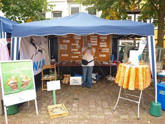 Der NABU-Stand auf dem Ökomarkt 2012. - Foto: Kathy Büscher