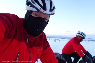 Als Radfahrersollte man auf eine Gesichtsmaske oder ein Schlauchtuch zurückgreifen