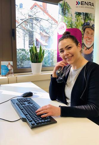 Jennifer Möller  -  ENRA Vertragsabteilung