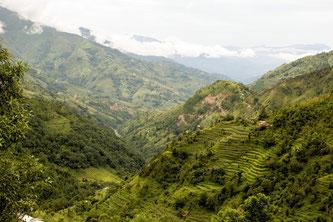"""Für die Hauser-Reise auf dem nepalesischen """"Climate Trek"""" wird kein Inlandsflug benötigt – der Ausgangspunkt für Wanderer liegt kaum 90 Autominuten nordöstlich von Kathmandu. ©Hauser Exkursionen/Johanna Weinreiter"""