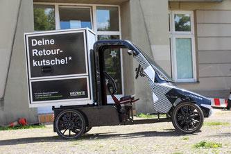 Lastenfahrrad Loadster an Kiezbote Berlin übergeben ©Citcar