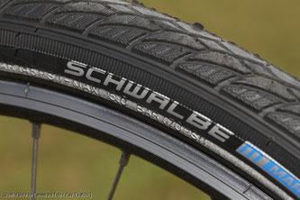 Angaben auf der Reifenflanke des Fahrradreifens