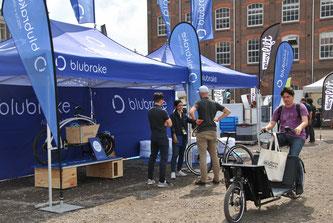 Blubrake hat das erste ABS-System (anti lock braking system - Antiblockiersystem) der Welt entworfen, das für leichte Fahrzeuge wie Cargo Bikes entwickelt wurde.