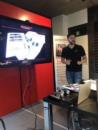 Ein großer Dank gebührt Marketing Spezialist Daniel Djuhanda für die reibungslose Organisation des Treffens - hier bei der Vorstellung der Firma Trelock