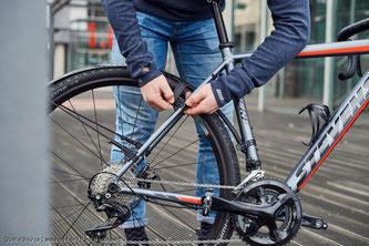 Seit Jahren stagnieren die Rennrad‐Verkaufszahlen auf einem verhältnismäßig niedrigen Niveau