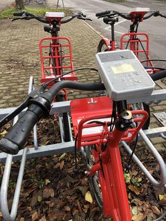 Mieträder bei Regen ungenutzt / ©drachenhaut.bike