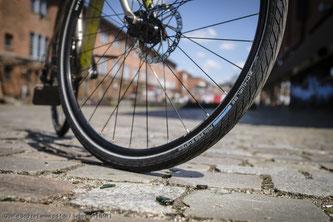 Anders als bei Autoreifen gibt es bei Fahrradreifen keine vorgeschriebene Profiltiefe zur Orientierung.